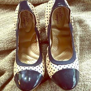 Dexflex Navy/ Creme Polka Dot Ballerina Flats